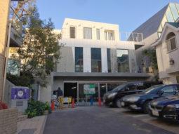 【店舗物件紹介】神宮前!オシャレな新築!ガラス張り!1階2階